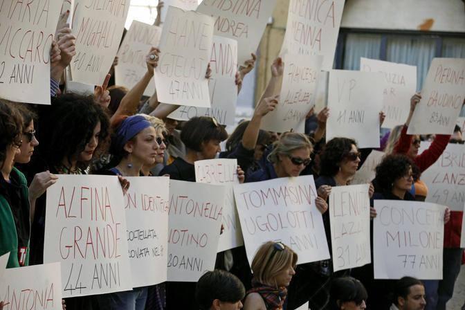VIOLENZA SULLE DONNE: FLASH MOB A ROMA