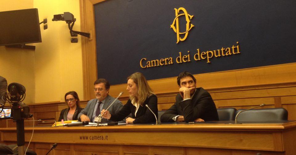 Appena conclusa alla camera la conferenza stampa per l for Web tv camera deputati
